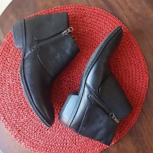 B.O.C born concept leather booties size 7